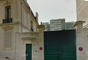 Only part of the Rue St Ferdinand on Google Earth that still looks like it did in 1960, minus the tall buildings in the back.